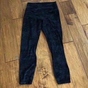 Lululemon black camp align pants sz 6